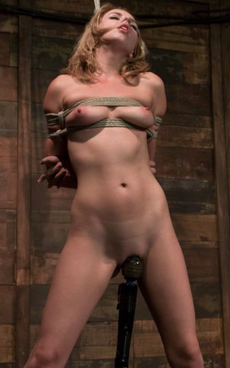 Picture of pretty Lexi Belle nude and bound