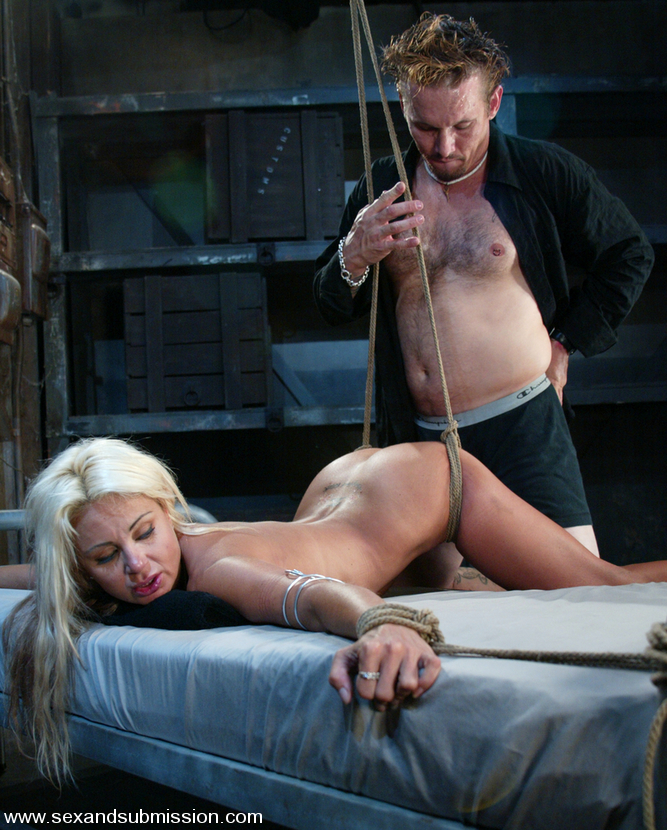 Submissive MILF blonde loves the way her tied up body getting fucked