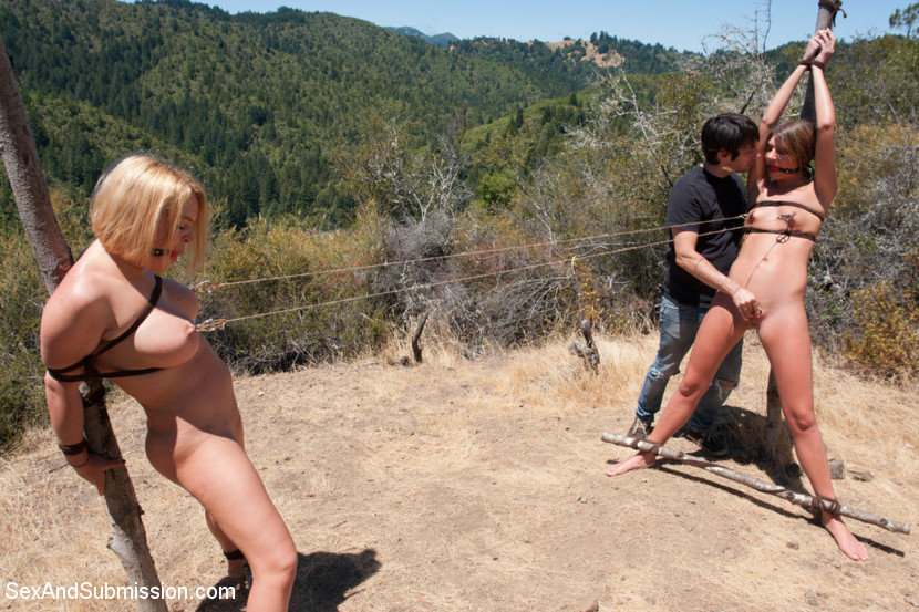 bdsm mothers and daughters whipped together