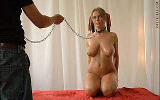 Petgirl Alexis May leshed and collared