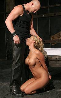 Phoenix Marie bondage blowjob (Sep 2008)
