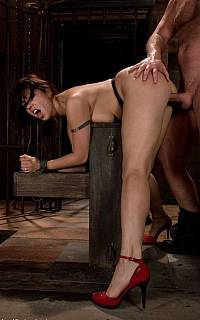 Satine Phoenix fucked in bondage (Oct 2008)
