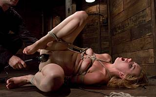 Lexi Belle in bondage and fucked with sex toy