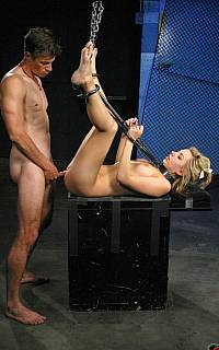 Lexi Belle fucked in bondage (May 2009)