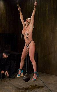 Suspension BDSM torture