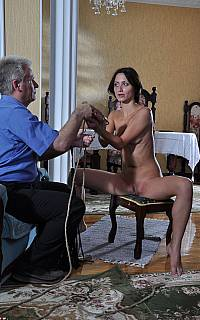 Undressed wife is bound with rope (Sep 2012)