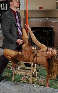 Bondage girl is ejavulated on