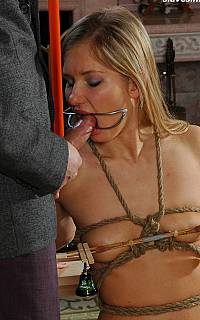Cocksucker in bondage